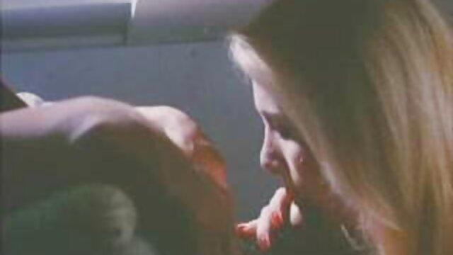 SOLOGIRLSMANIA viejas rusas calientes Caliente Jennifer mostrando DP masturbación