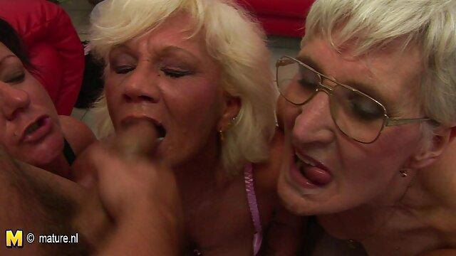 Nympho Chubby BBW GF es adicta a abuelas peruanas calientes su gran consolador negro