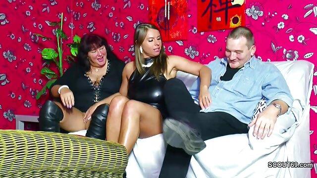 Gilf milf esposa Jan masaje y abuelas bien calientes tarta de crema en su cama # 7