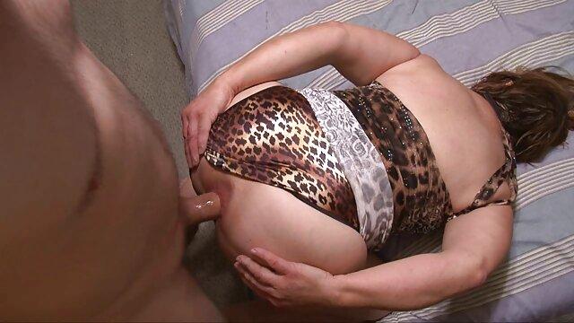 Cam Cutie Its Cleo Muff se sumerge en la rubia xvideos de abuelas calientes lesbiana Charlie!