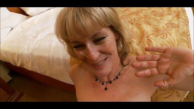 ADORACIÓN Tracy haciendo abuelas ardientes mamada y anal con una gran polla negra