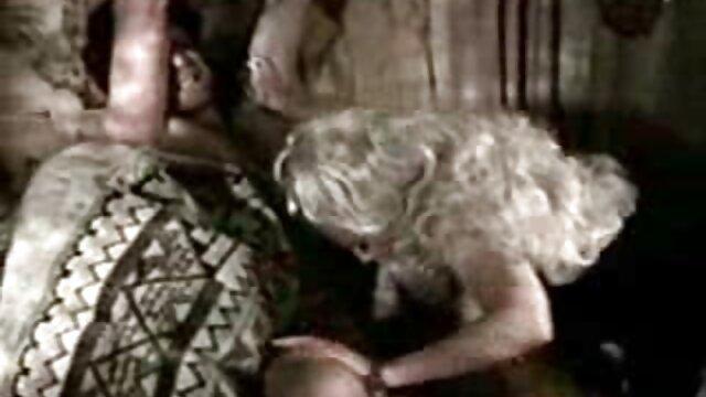 SisLovesMe - abuelas calientes cojiendo Stepsis tetona salta sobre la polla de Stepbros