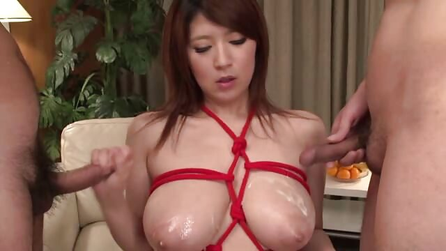 ANAL - Juego anal con buttplug ancianas calientes follando y juguete negro