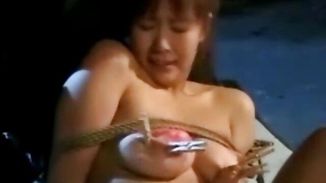 VIXEN Naughty Mistress ama burlarse de su abuelas calientes xvideos hombre delante de él