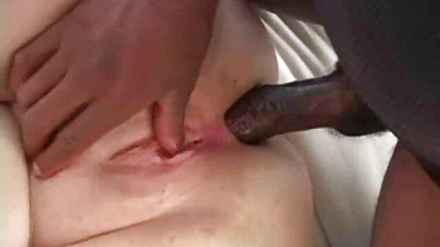 Golpeando ancianas calientes cojiendo bellezas gran botín anal con Ashley Fires, Lisa Ann