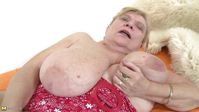 Oh, abuelas desnudas calientes lucy