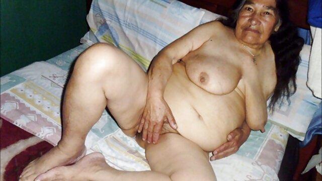 Mamada y coño duro follando de pareja sexy abuelas calientes masturbandose