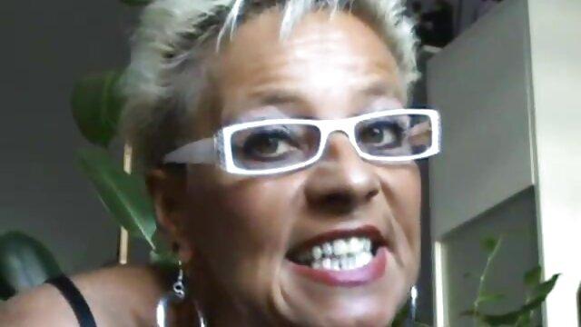 Vista trasera abuela mexicana caliente