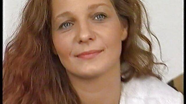 MALENA MORGAN Y RILEY REID videos abuelas calientes ACCIÓN LESBIANA