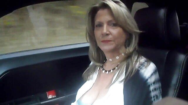 Estrella porno pelirroja MILF chupa y follada en las abuelas mas calientes las tetas por hijastro