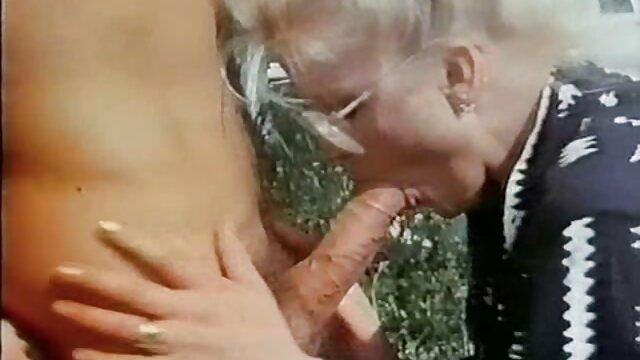 Pelirroja regordeta abuelas lesbianas calientes