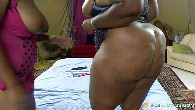 Lizzie Tucker hace una mamada interracial abuelas calientes amateur - Gloryhole