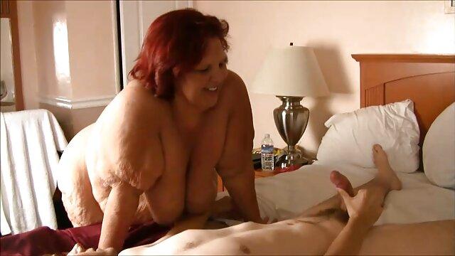 Kaylee Hilton juega complace a una gran polla negra abuelas calientes videos en Gloryhole