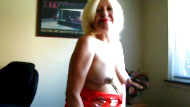 Tina está teniendo sexo por primera vez sofortbumsen abuelas peludas calientes De